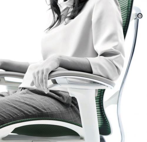 Регулировка кресла Contessa Seconda на подлокотниках