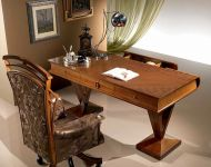 C100 Classic Style Writing Desk