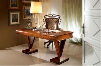 C100 Classic Style Desk