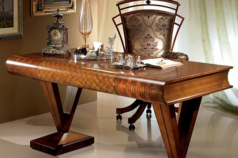 Italian Classic Style Wooden Furniture, What Is Classic Style Furniture